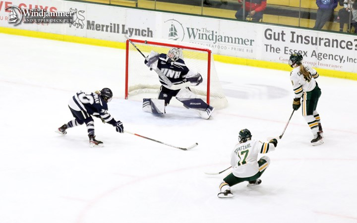Women's Hockey Draws 3-3 Tie Friday Against New Hampshire