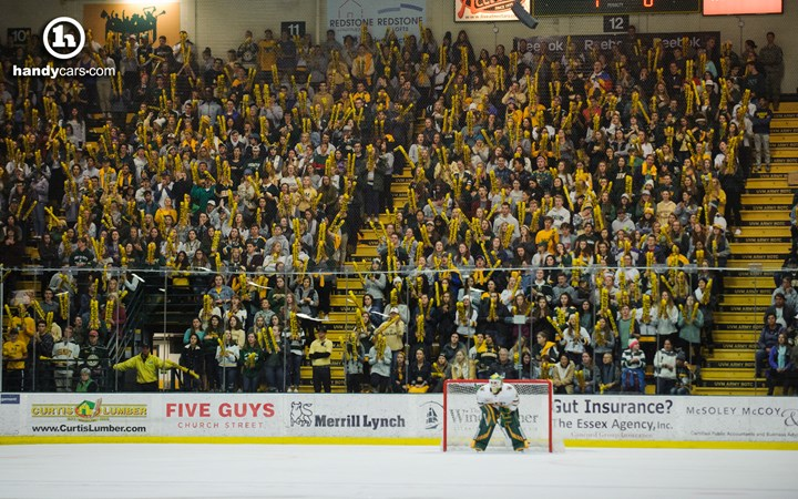 Recent College Graduate Season Tickets Now Available for Men's Hockey