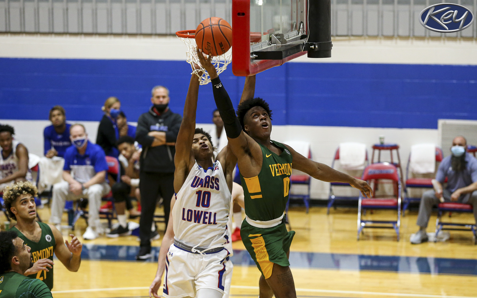Men S Hoops Suffers Setback At Umass Lowell In Season Opener University Of Vermont Athletics