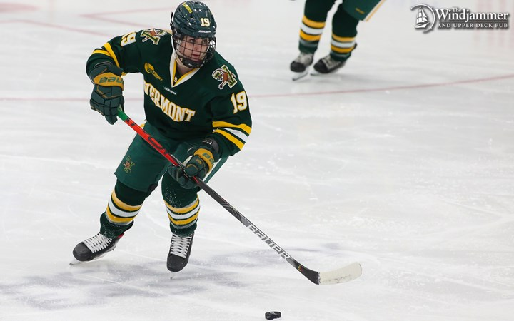 Women's Hockey Travels to Holy Cross This Weekend; Game Televised on NESN Sunday - University of Vermont Athletics